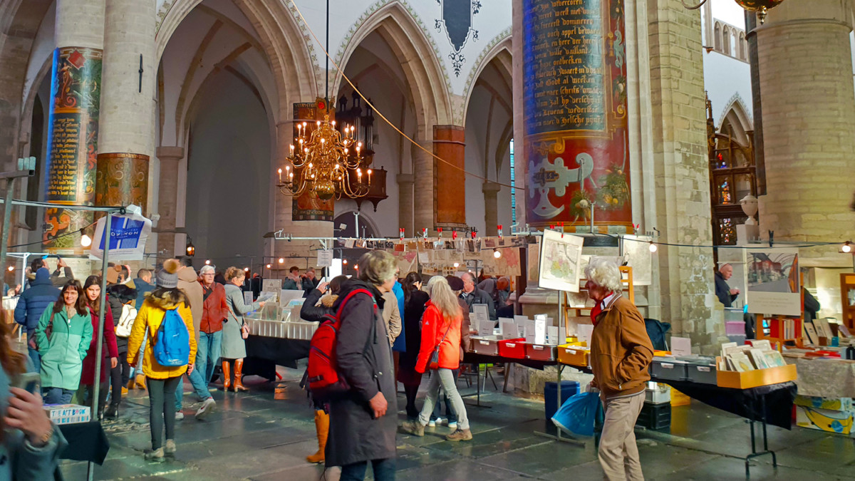 Boeken in de Bavo - The Annual Book Market in Haarlem