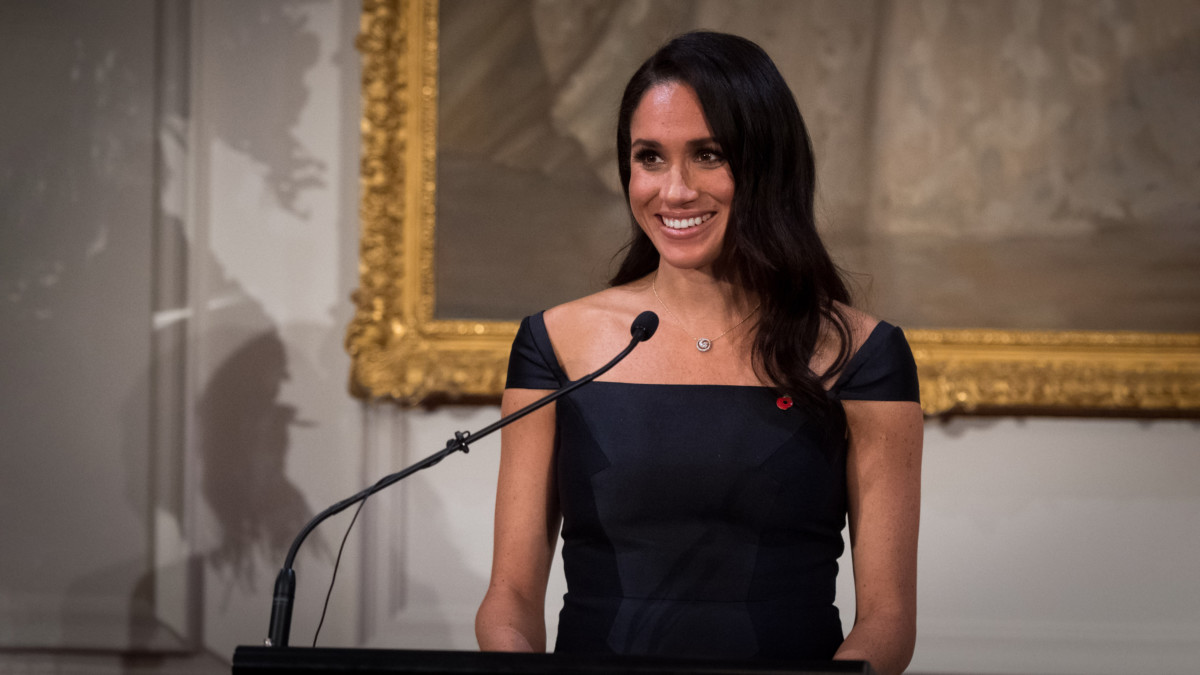 2019.10.01 - Meghan Markle Reveals Her Experience With Bookbinding